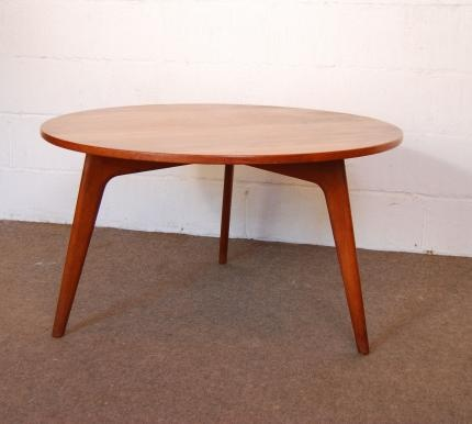 Circular coffee table by Jason Møbler   CHASE & SORENSEN // DANISH MODERN FURNITURE & HOME DÉCOR