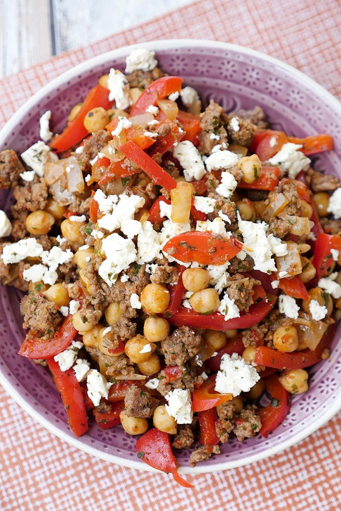 Die Kichererbsen-Hackfleisch-Pfanne ist so ein turboschnelles Gericht, das ich immer wieder essen könnte. Low Carb und so so gut!