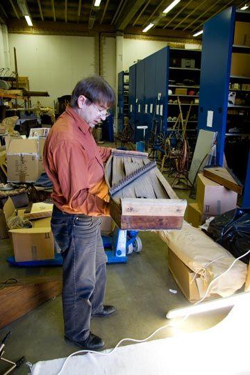 Kantele eläväksi -hanke on julkaissut oppaan museoille kanteleiden luettelointia ohjaamaan. Oppaassa esitellään kantele soitintutkimuksen kannalta, kerrotaan mm. luokittelusta, osista, valokuvaamis…