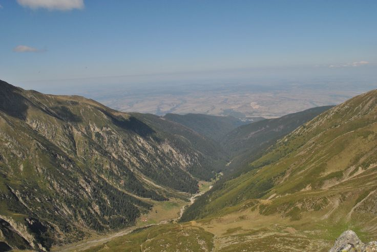 Valea Sambetei vazuta din Fereastra Mare a Sambetei