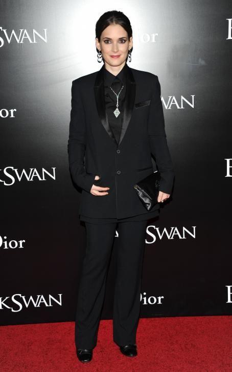 Winona Ryder - New York Premiere of 'Black Swan' at the Ziegfeld Theatre on November 30, 2010 in New York City