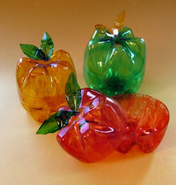 """Reciclaje"""" manzanas echas con botellas de pet..!"""