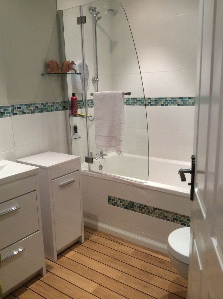 bathroom accessories blackpool. annemarie from blackpool contrasts white furniture and wooden laminate flooring to create a nautical bathroom theme. accessories t