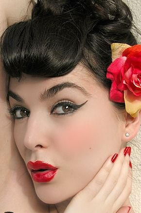 pin up make up | Look pin-up: un semplice make up per essere glamour in una serata ...