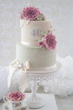 bolo decorado com renda