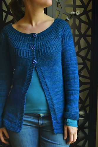 Ravelry: wonderliza's Shalom again !  Shalom Pattern is free on Ravelry this is another persons take on that pattern