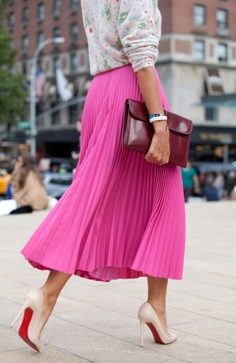 Today's inspiration:adding a pop of color to neutrals. This flowy skirt is perfect for spring. #loveit #pink #clutch