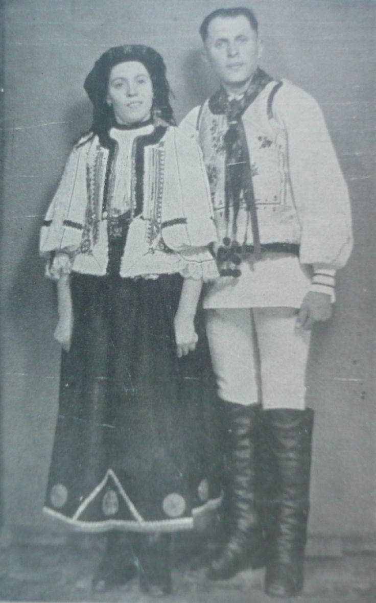 Palos , BRASOV area,romanian dress