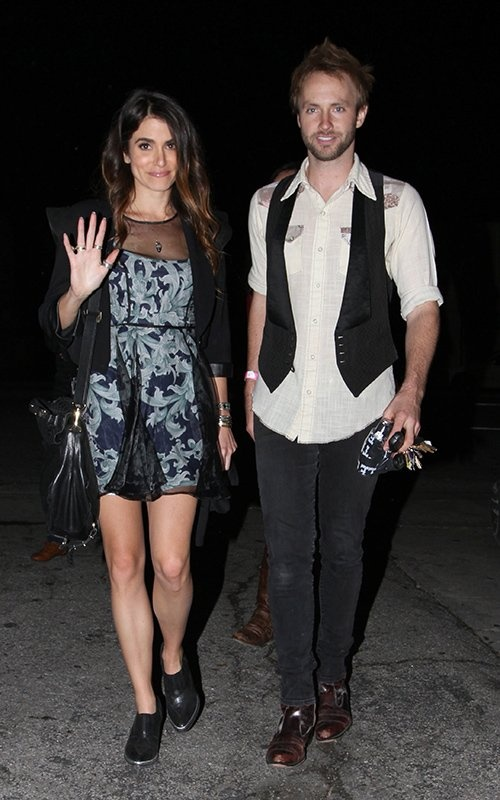 Nikki Reed and Paul McDonald at the Bootleg Theater in LA (December 6). Nikki Reed y de Paul McDonald saliendo del Bootleg Theater en LA (6 de diciembre).