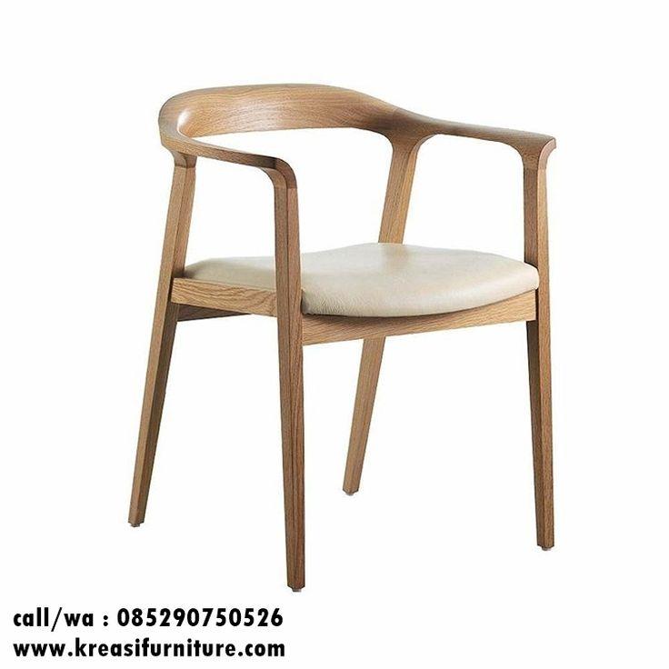 Kursi Cafe Kayu Sungkai Modern merupakan kursi cafe modern berbahan kayu sungkai solid dengan warna finishing natural melamic asli warna kayu sungkai.