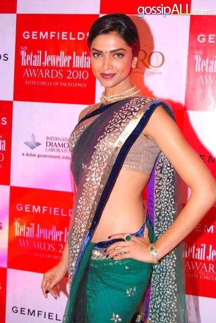 Bollywood+Actresses+in+#Saree #deepikapadukone