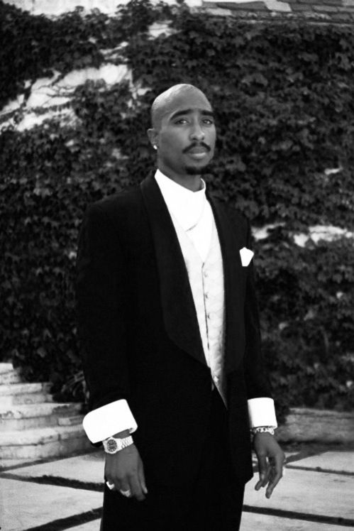 2Pac suited up ️ | Black & White Photography | Pinterest ...