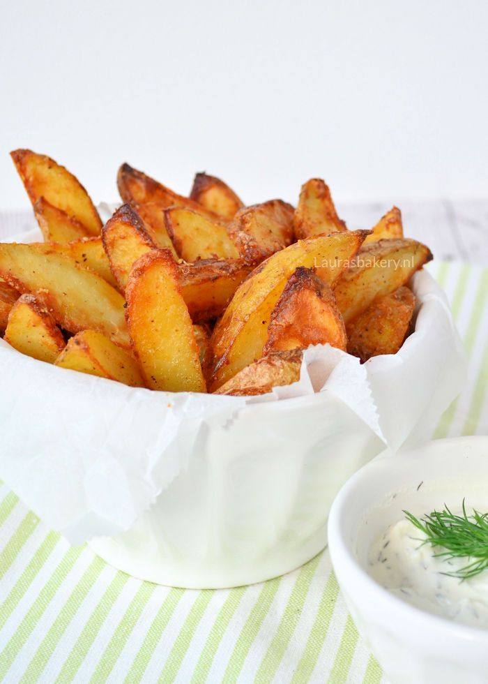 Parmezan potato wedges - Aardappel wedges met Parmezaanse kaas - Laura's Bakery