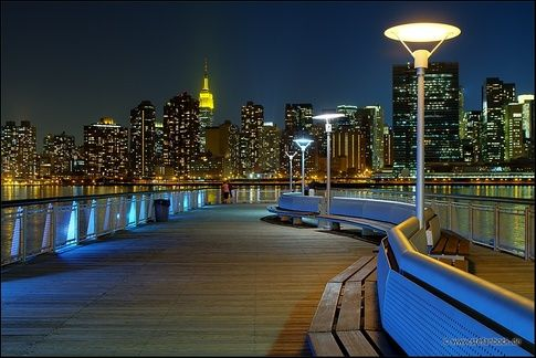Gantry Park At Night Just Hop Off On The First Queens Bound 7 Train Stop Vernon Jackson Ave