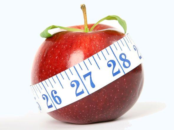 7 maneiras simples de diminuir a fome para emagrecer    Beber água e evitar adoçantes são algumas das formas de controlar o apetite e, assim, conseguir perder peso
