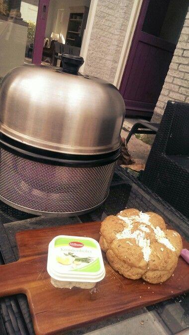 Nice starter, garlic bread on the cobb grill bbq