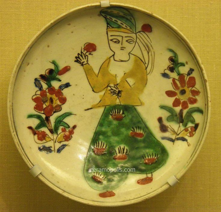 Kutahya Plate Woman Figure 18th – Pera Museum
