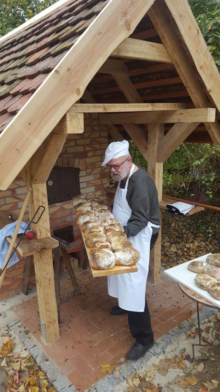 Ziegelblock vor Platte für den Ofen