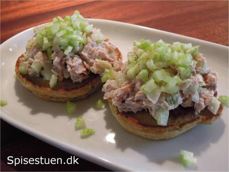 fastedag 5 : 2 -nr-4 2 kikærtepandekager med ½ portion tunsalat
