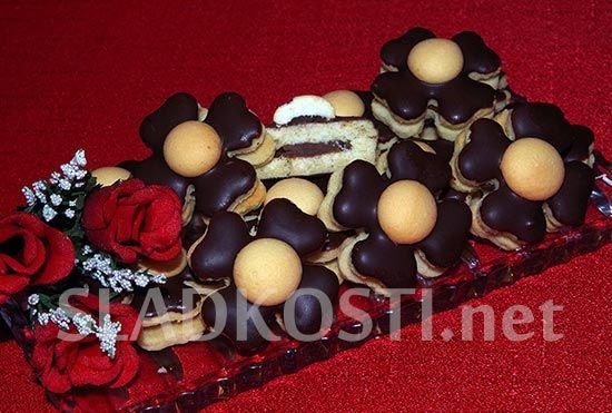Mandlové čtyřlístky s minipiškoty