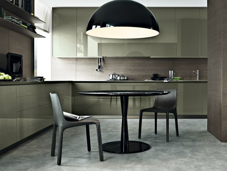 Chaise en cuir MANTA by Poliform | design Rodrigo Torres