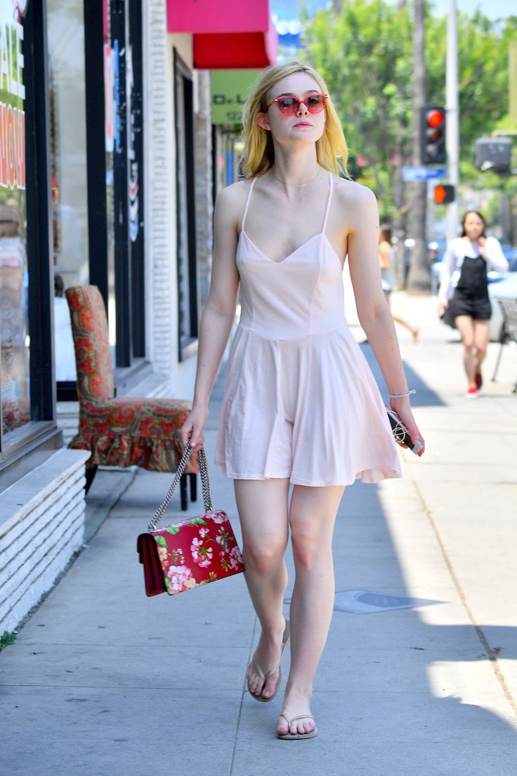 Elle fanning at a nail salon in beverly hills 06 25 16 for 4 sisters nail salon