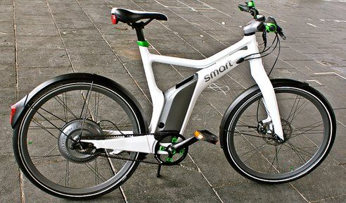 Meet the Smart ebike, which Mike brought to our attention last month in the article Smart's Award-Winning Electric Bike is Coming to the United States. The ebike is now on sale in Europe, but won't hit the U.S. market for a few more months.