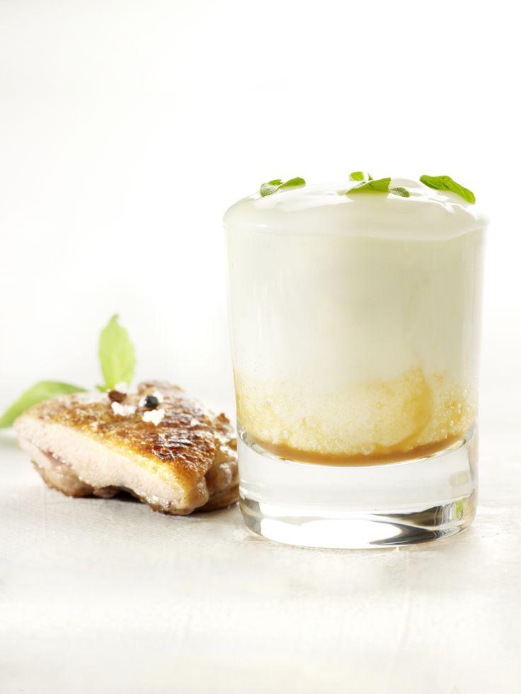 Een overheerlijke aardappelsoep, kip met tandoorikruiden, die maak je met dit recept. Smakelijk!