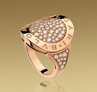 ring in yellow gold with pav diamondsthe ring is available in a wide variety of ring sizes