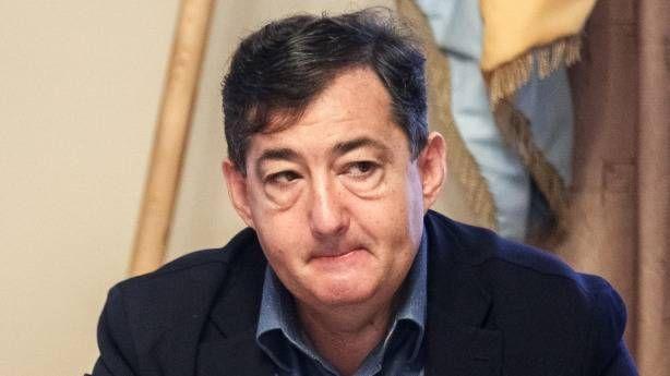 A Gazdasági Versenyhivatal (GVH) engedélyét kéri a felcsúti polgármester, Mészáros Lőrinc és Jászai Gellért közös érdekeltsége egy tucat balatoni kemping megszerzésére. A cégvásárlásokat már áprilisban bejelentette a tőzsdén jegyzett Konzum Nyrt., az összefonódásról szóló bejelentést a Konzum résztulajdonában álló BLT Group Zrt. tegnap adta be. Eszerint megszerzi a Balatontourist Kft., a Balatontourist Camping Kft. és a Balatontourist Füred Club Camping Kft. üzletrészeinek 100 százalékát…