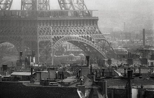 Eiffel Tower Paris 1956 Photo: Frank Horvat