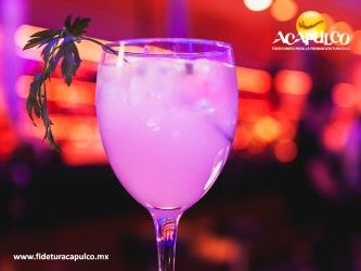 #antrosdemexico Prueba los deliciosos cocteles del Bar Pierre en Acapulco. ANTROS DE MÉXICO. Bar Pierre es uno de los más conocidos de la escena nocturna de Acapulco, gracias a los deliciosos y distintivos cocteles que sirven en el lugar, los cuales van desde dulces hasta salados y que seguramente te encantarán cuando lo visites, durante tu siguiente viaje a este hermoso destino turístico. Obtén más información, consultando la página oficial de Fidetur Acapulco.