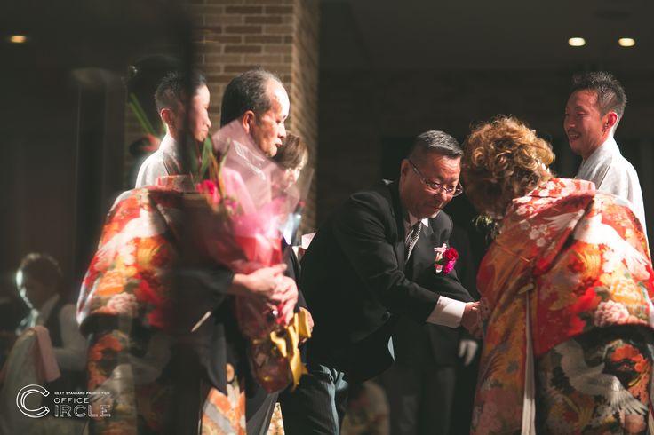結婚式はおふたりだけでなく、親御様、ご親族様、ご友人様などたくさんの繋がりができる場でもあります。そんな大切な一瞬一瞬をカタチに残すお手伝いをさせていただきます!!#ロケーションフォト#前撮り#フォトウェディングのご予約受付中です☺︎  人気の#和装前撮りもご予約可能*  *    #日本