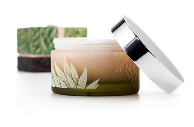 Thymes, the maker of upscale bath, beauty and home fragrance products, benefited from elegant, sophisticated and artful design.Beautiful, Packaging Design, Bath, Graphics Projects, Subscribe Updates, Packaging Reference, Beauty, Products Design, Cosmetics Packaging
