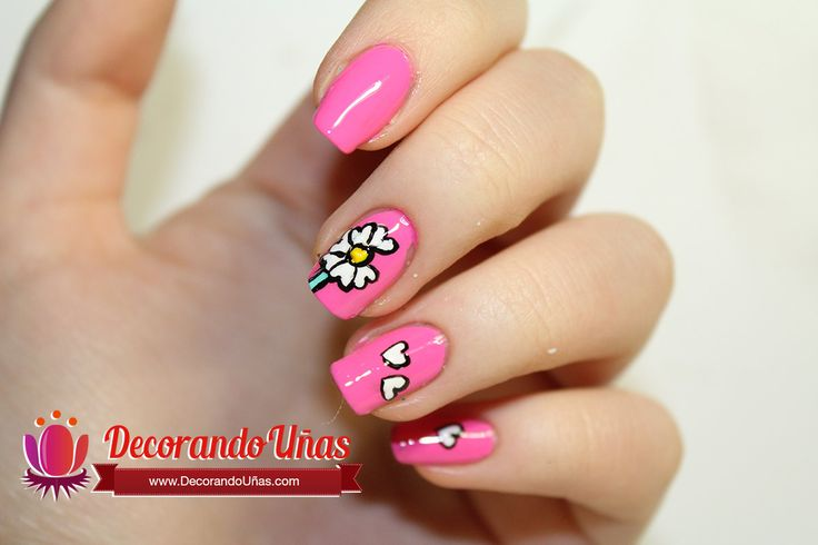 Uñas color rosa decoradas con Margaritas – Diy - http://www.xn--uasdecorada-1db.com/unas-color-rosa-decoradas-con-margaritas-diy/