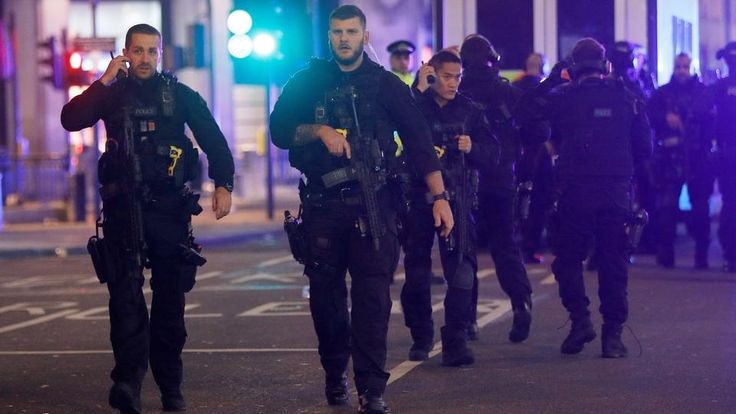London police stand down after reports of shots fired on Oxford Street