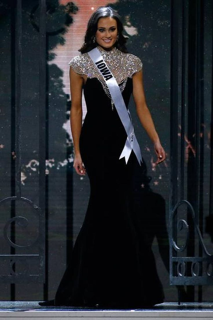 Miss Iowa USA 2014 Evening Gown. i want something like this but in blue for my graduation