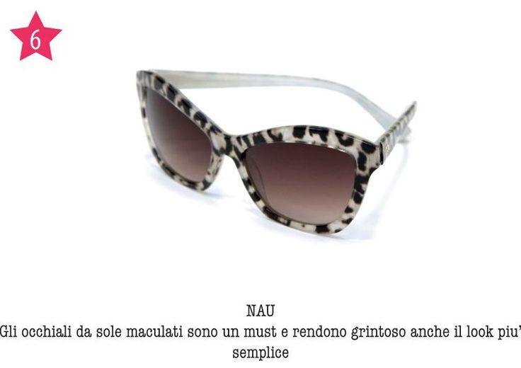 NAU - Gli occhiali da sole maculati sono un must e rendono grintoso anche il look più semplice.