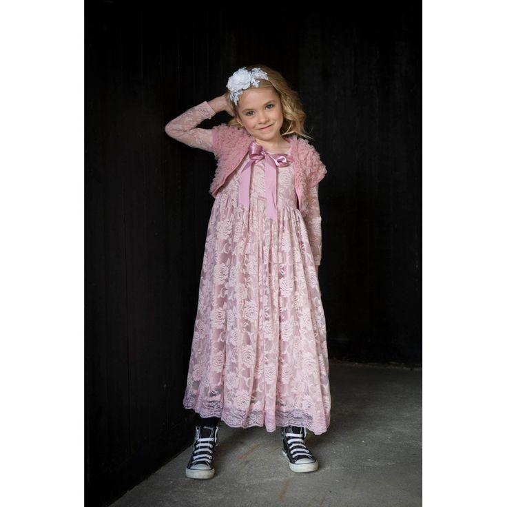 """""""Sweet roses"""" Blonde kjole i gammelrosa til piger str. 3 år - 10 år by MargretheDesigns. Den blødeste og smukkeste pigekjole velegnet til både fest og bryllup."""