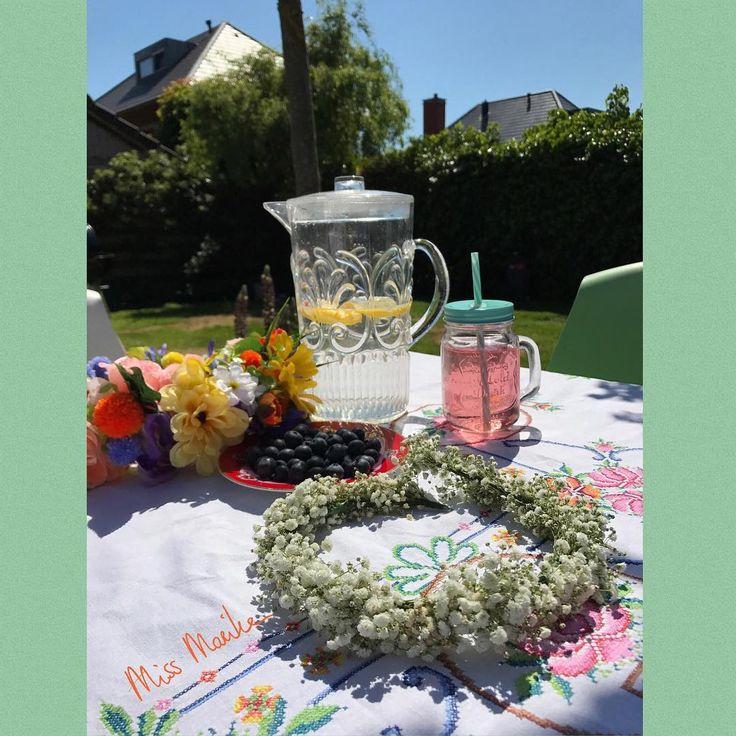 Try out for a wedding in July - made a baby'sbreath wreath for a girl. Love the weather! #babysbreath #wreath #flowercrown #flowerheadband #gipskruid #bloemenkrans #bruiloftinspiratie #bruiloft #bruiloftstyling #bruidsmeisje #romantic #romanticwedding #weddinginspiration #weddingflowers #vintagewedding #outdoorwedding #trouwtrends #trouwinspiratie #flowergirl #bridesmaids #inopdracht http://gelinshop.com/ipost/1523264129703107228/?code=BUjuKfGDFqc