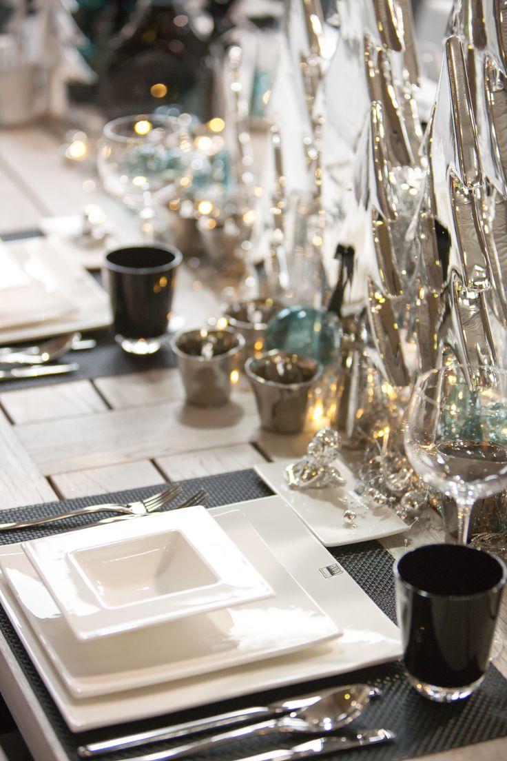 Tafeldecoratie zilver, zwart met turquoise tinten..#classy #stylish