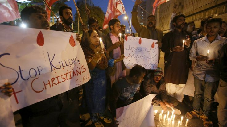 Pakistan steps up security after IS kills 9 in church attack https://www.biphoo.com/bipnews/world-news/pakistan-steps-up-security-after-is-kills-9-in-church-attack.html General news, Pakistan steps up security after IS kills 9 in church attack, Religion, Religious issues, Religious strife, Social affairs https://www.biphoo.com/bipnews/wp-content/uploads/2017/12/Pakistan-steps-up-security-after-IS-kills-9-in-church-attack.png