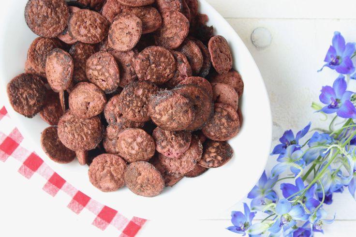 Het heerlijke en gezonde recept voor paarse poffertjes van rode biet vind je op eethetbeter.nl, het kidsfoodblog met gezonde recepten voor het hele gezin.
