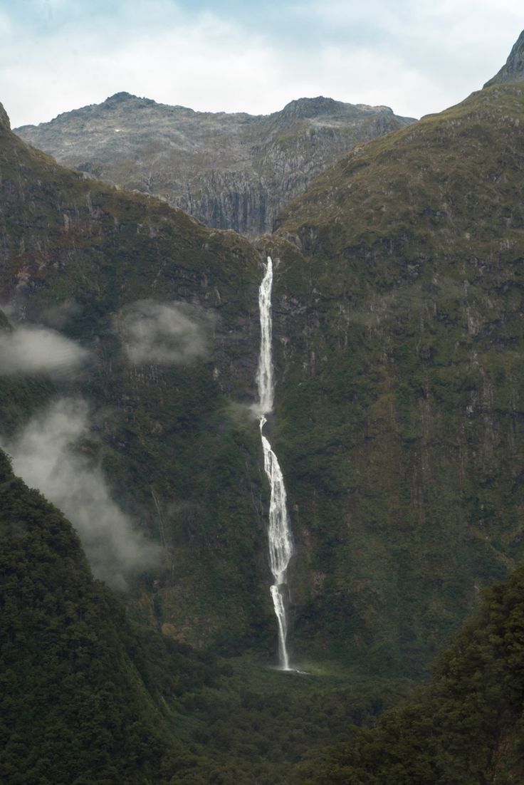 Sutherland Falls - the tallest waterfall in New Zealand