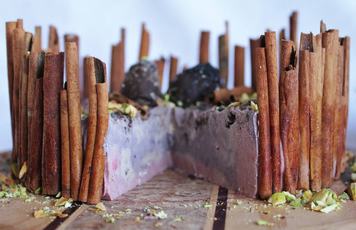 This Rawsome Vegan Life: berry ice cream cake with chocolate eggs, pistachios and cinnamon