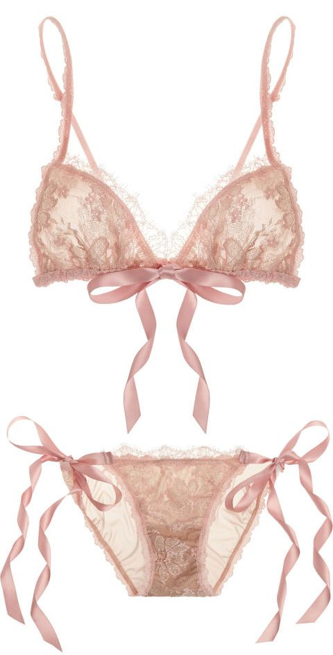 Hanky Panky Gilded Lace Bralette & Bikini  ELLE MAGAZINE: THE SEXIEST LINGERIE TO WEAR UNDER YOUR VALENTINE'S DAY DRESS