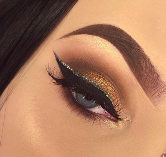 Glitter liner.