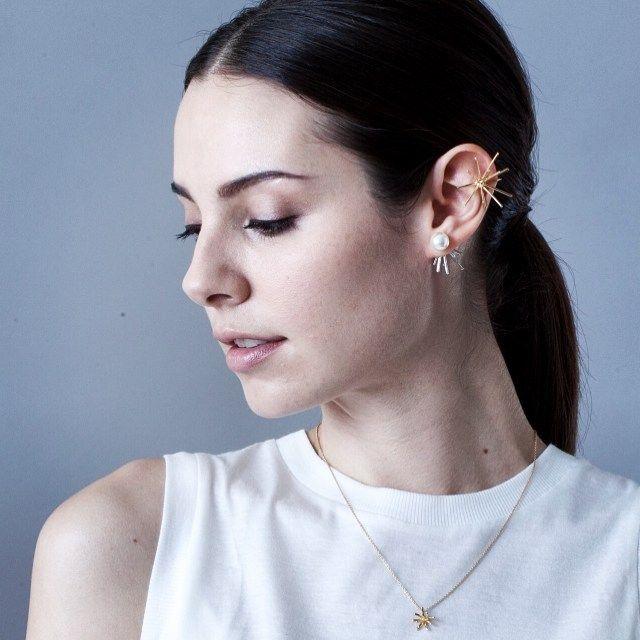 上のゴールドイヤリング石原さとみちゃん着用のMサイズ こちらイヤリングをイヤカフの様に着用できます♡ #Lamie #石原さとみ #石原さとみちゃん #着用…