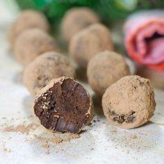 Paleo Easy Dark Chocolate Avocado Truffles