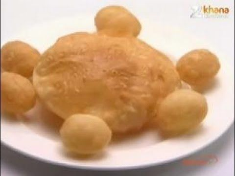 Watch Celebrity Chef Sanjeev Kapoor share the recipe of 'Raj Kachori & Puris' only on Zee Khana Khazana. Get more recipes like this at: http://www.zeekhanakh...